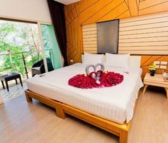 Anda Beachside Hotel is located at 210/2 Karon Road