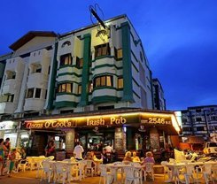Angus O'Tool's Irish Pub Guesthouse is located at 516/20 Patak Road