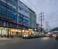 Baan Thai Beach Side Residence is located at 40 Rat-U-Thit 200 Pee Road