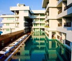 Casa Del M Resort is located at 14/8 Prabaramee Soi 3