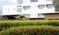 Chill House at Naiyang is located at 133 Moo1 sakoo Talang Phuket on Phuket island in Thailand. Chill House at Naiyang has a guest rating of 8.0 and has Hotel amenities including: Parking