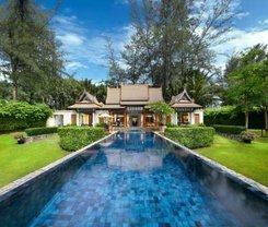 Double Pool Villas by Banyan Tree is located at 33