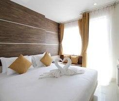 Elegancy Bangla Hotel is located at 171/3 Soi Sansabai