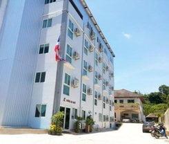 Hotel De Ratt is located at 54/77 Moo. 6 Soi. Theb Concreat Thepkrasatree Rd. Tambol. Rassada Amphor Muang on Phuket island. Hotel De Ratt has a guest rating of 8.5 and has Hotel amenities including: Swimming Pool