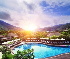 Karon Sea Sands Resort is located at 208/2/ Karon Beach Road on Phuket island