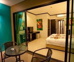 Kata Green Beach Hotel is located at 100/76 Kata Rd