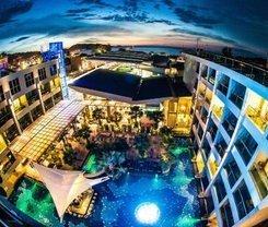 Nipa Resort is located at 33 Sainamyen Road