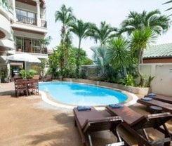 Palmview Resort is located at 135/1 Nanai Rd.