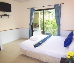 Phuket Airport Overnight Hotel is located at 39/8 Moo 6
