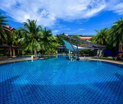 R-Mar Resort and Spa is located at 33 Soi Rat-U-Thid 200 Pee 1