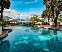 Sunset Beach Resort is located at 316/2 Phrabaramee Rd.