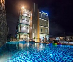 The Elysium Residence is located at 87/63 Moo.10 Soi Chaofa. 45 Chaofa Road T.Chalong on Phuket island in Thailand. The Elysium Residence has a guest rating of 8.8 and has Hotel amenities including: Concierge service