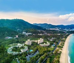 The Natural Resort is located at 38 Phungmaung Sai Kor